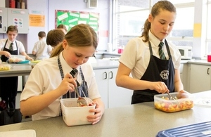 Pupils in food science class