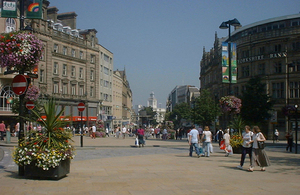 Sheffield's main shopping street. Copyright Neil Turner. Licensed by creative commons by 2.0.