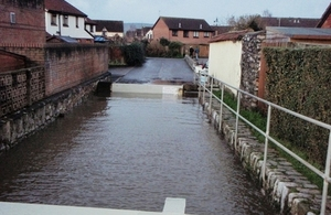Flood gate in action, winter 2014, Generals Lane, Starcross