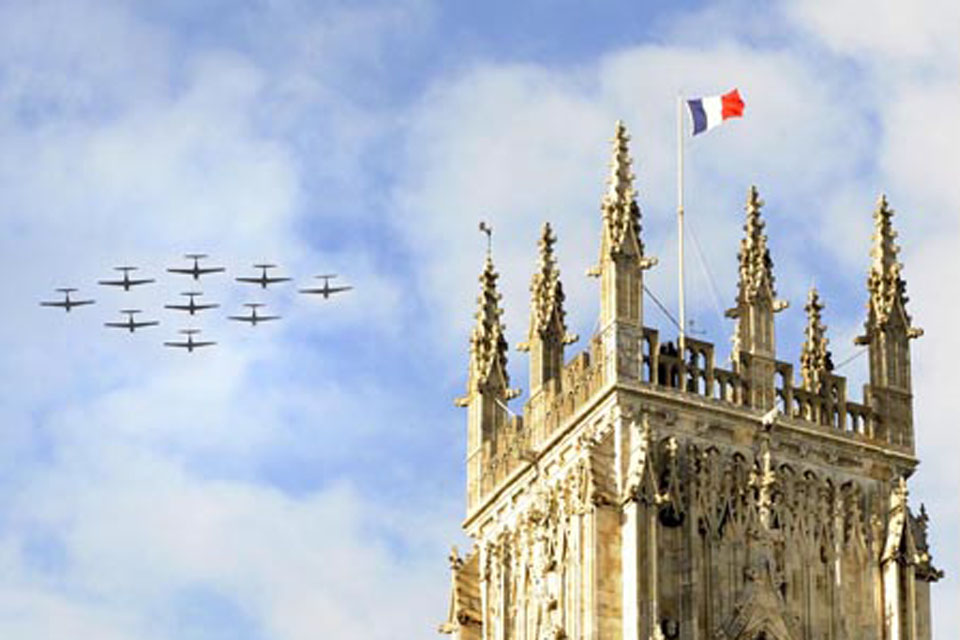 A nine-ship flypast of Tucano aircraft from RAF Linton-on-Ouse over York Minster was part of the commemorations of the wartime efforts of two Free French Air Force heavy bomber squadrons
