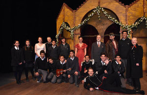 Cast of Much Ado About Nothing with Chilean students at Teatro CorpArtes.
