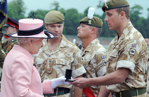 Major General Roddy Porter greets Her Majesty The Queen