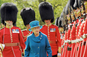 Her Majesty The Queen inspects soldiers