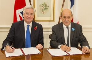 Joint complex weapons agreement with france as uk and french defence secretary michael fallon and french minister for defence monsieur le drian crown copyright platinumwayz