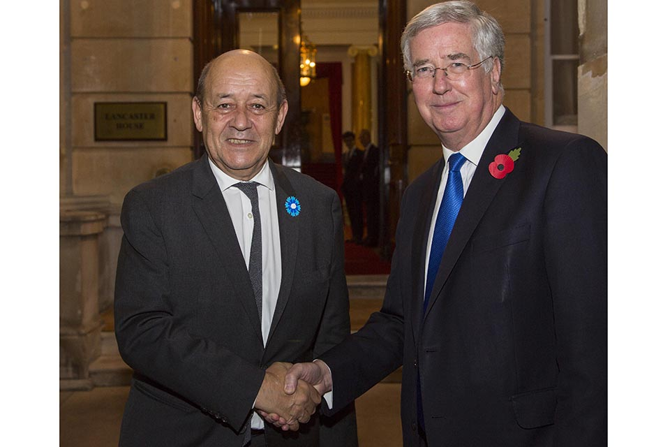 Defence Secretary Michael Fallon and French Minister for Defence Monsieur Le Drian. Crown Copyright.
