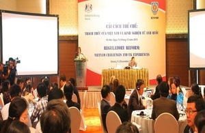 UK experience in regulatory reform to improve transparency and accountability in government agencies are shared at a workshop held in Hanoi on 1 December 2015.