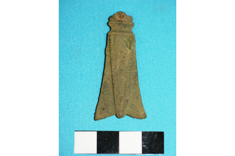 Roman cicada brooch