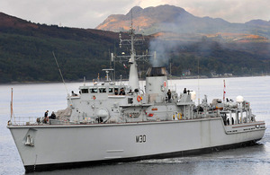 HMS Ledbury arrives in Faslane