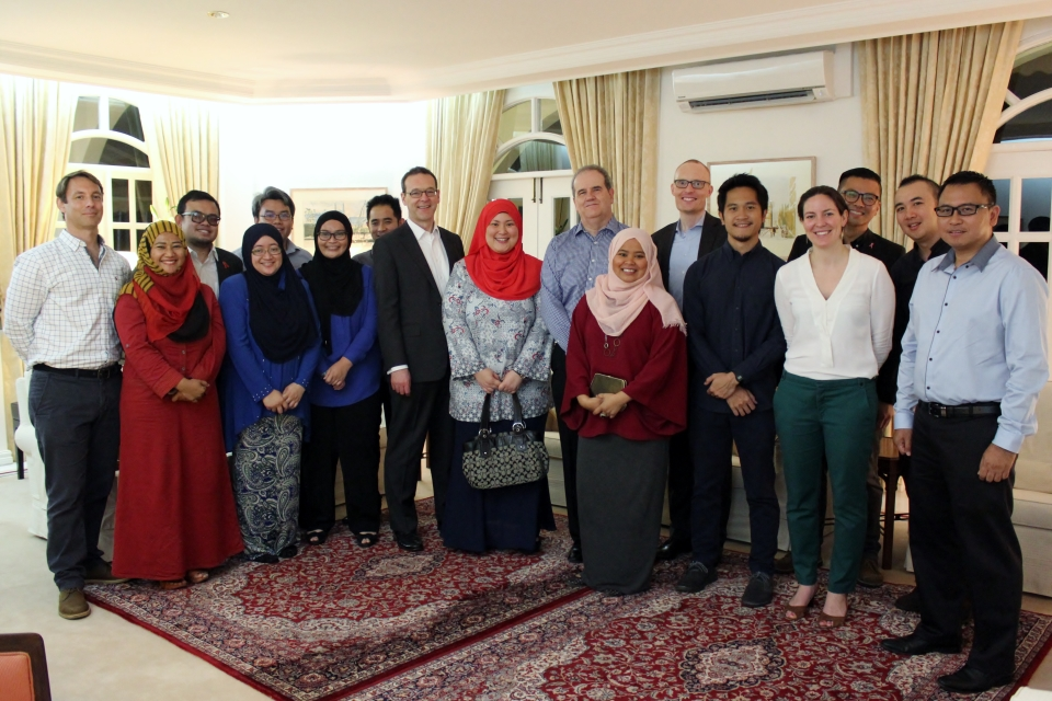 Dinner with future leaders from a wide range of sectors including former Chevening Scholars