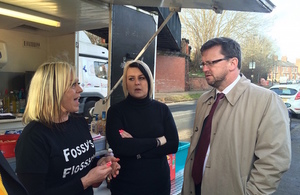 Rob Wilson visits Fossy Flossy's Fast Food Van