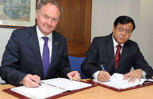 The MOD's Chief Scientific Adviser, Professor Sir Mark Welland, signs a Letter of Arrangement with the Director General of India's Defence Research and Development Organisation, Dr Vijay Kumar Saraswat