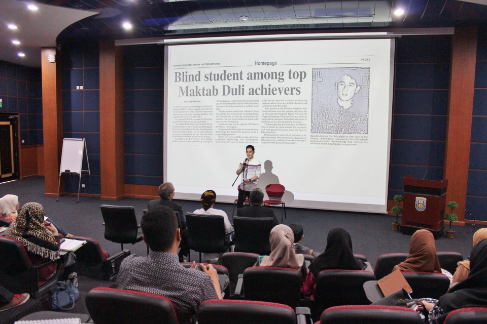 "Chevening Alumnus Norali giving his session entitled ""Beyond Blindess"""