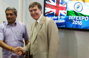 Philip Dunne MP, Minister Defence Procurement meets Manohar Parrikar, Indian Defence Minister at DEFEXPO 2016.