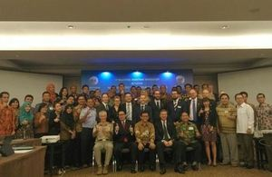 UK-Indonesia bilateral maritime group photo