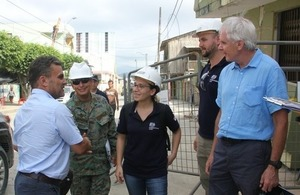 Minister Serrano with british engineers in the Earthquake crisis area