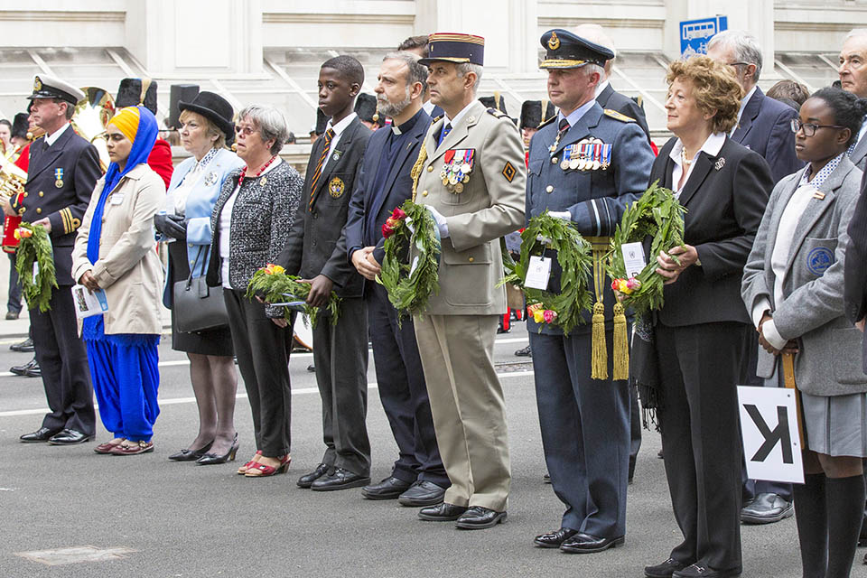Military and UN practitioners at the UN Peacekeeping day memorial ceremony