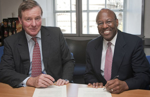 UK Minister for Defence Personnel, Welfare and Veterans, Andrew Robathan (left), and the US Under Secretary of Defense for Personnel and Readiness, Dr Clifford Stanley