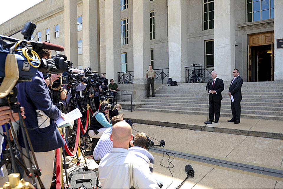 US Defence Secretary Robert M Gates (left) and UK Defence Secretary Dr Liam Fox conduct a press conference on the steps of the Pentagon following defence talks