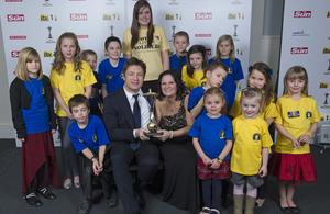 Jamie Oliver with Nikki Scott and children