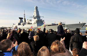 HMS Diamond as she approaches her berth [Picture: Leading Airman (Photographer) Guy Pool, Crown Copyright/MOD 2012]
