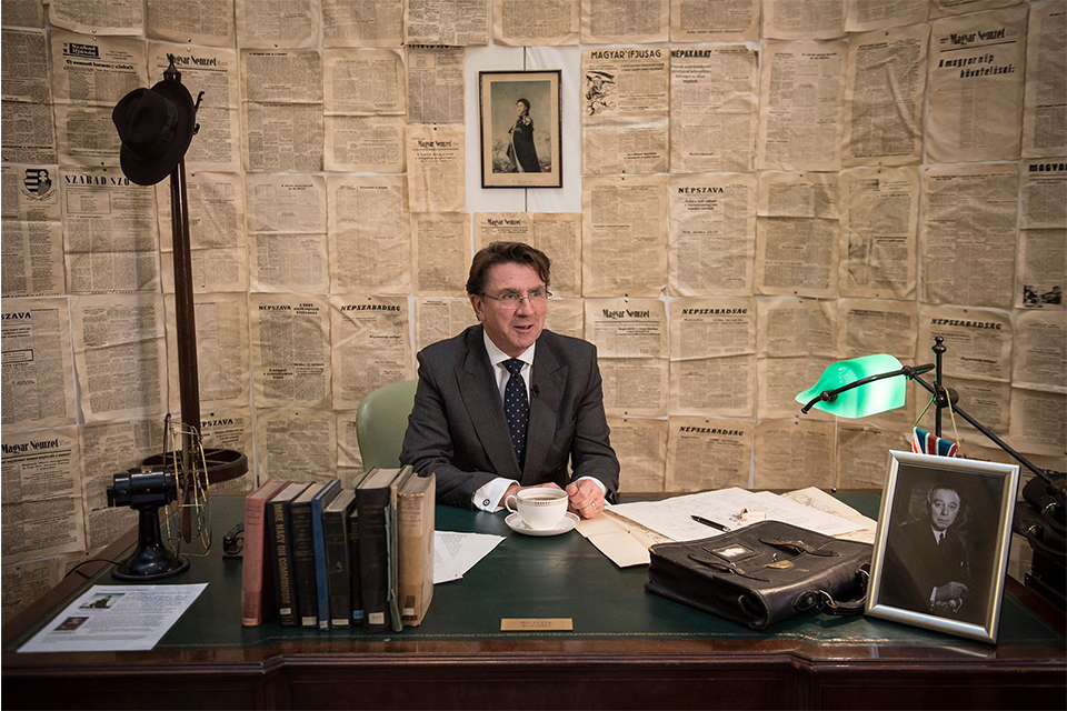 World location news article: British Embassy Budapest commemorating the 1956 Hungarian Revolution