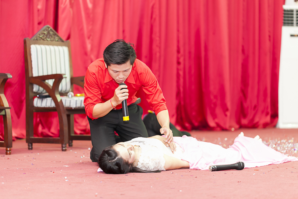 National University students performing Romeo and Juliet