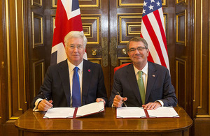 Defence Secretary Sir Michael Fallon with US Defense Secretary Ash Carter. Crown Copyright.
