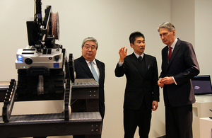 The Chancellor visited the Future Robotics Technology Centre, Chiba Institute of Technology