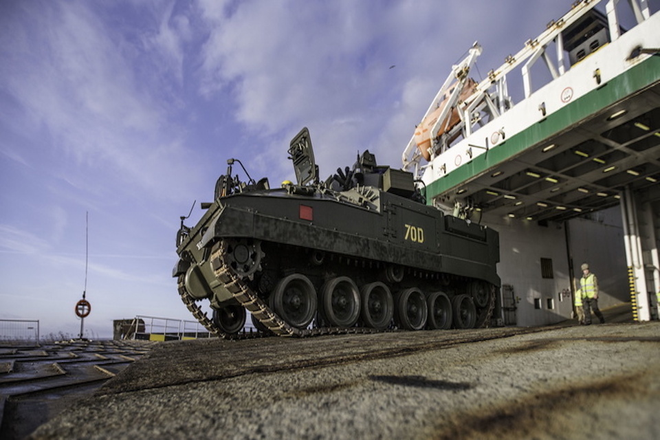 UK Vehicles arrive in Estonia