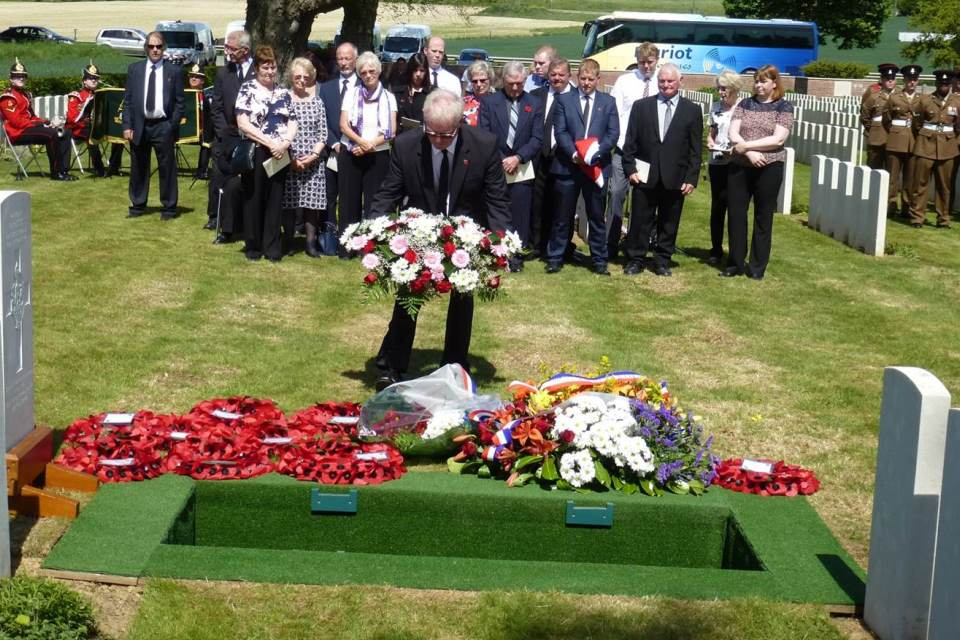 Francis Storry, great-nephew of Henry Parker, lays a wreath, Crown Copyright, All rights reserved