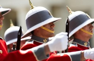 The Second Battalion, Princess Patricia's Canadian Light Infantry took over the Queen's Guard at Buckingham Palace. Crown Copyright.