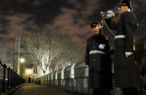 Soldiers from 2nd Battalion The Princess of Wales's Royal Regiment perform guarding of the Tower of London for the last time [Picture: Crown Copyright/MOD 2013]