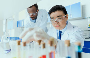 2 scientists working together in a laboratory