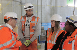 John Hayes meets with apprentices at Crossrail