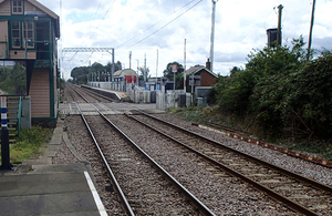 Magdalen Road crossing and signal box, viewed from Watlington station