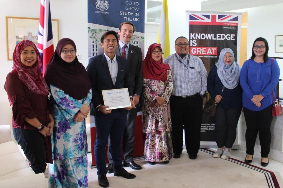 British High Commissioner Richard Lindsay, Shahyzul and members of the Chevening Alumni Brunei