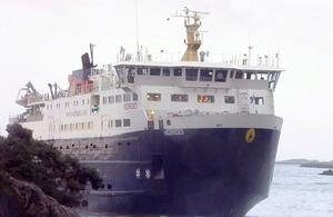 Passenger ferry Hebrides aground
