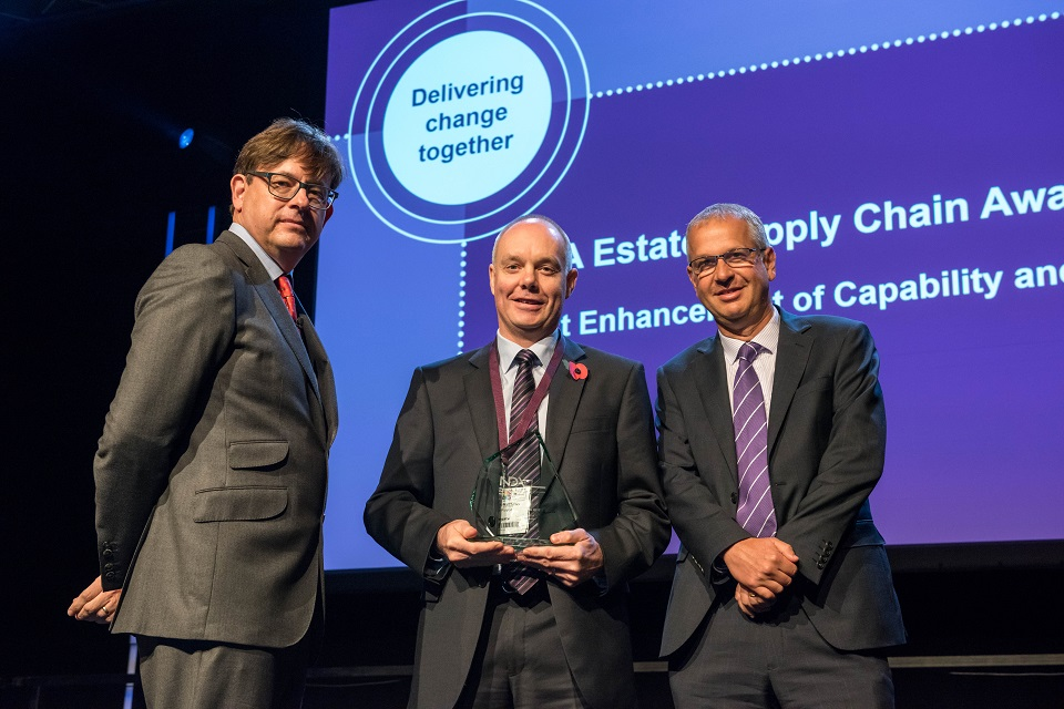 Jonathan Matthews (centre), of Rolls-Royce, collects the winner's skills award