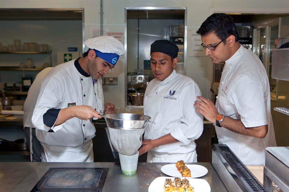Atul Kochhar with 2 aspiring chefs