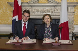 UK Secretary of State for Defence, The Rt Hon Gavin Williamson and The Defence Minster for France Her Excellency Florence Parly signing an agreement that continues and deepens Franco-British defence cooperation.