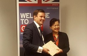 International Trade Minister Greg Hands and Taiwanese Vice-Minister of Economic Affairs Mei-Hua Wang