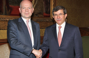 Foreign Secretary William Hague meeting Ahmet Davutoğlu, Turkish Minister of Foreign Affairs in London, 7 March 2013.