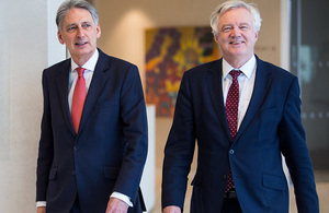 Image of David Davis and Philip Hammond (Credit: PA Images)