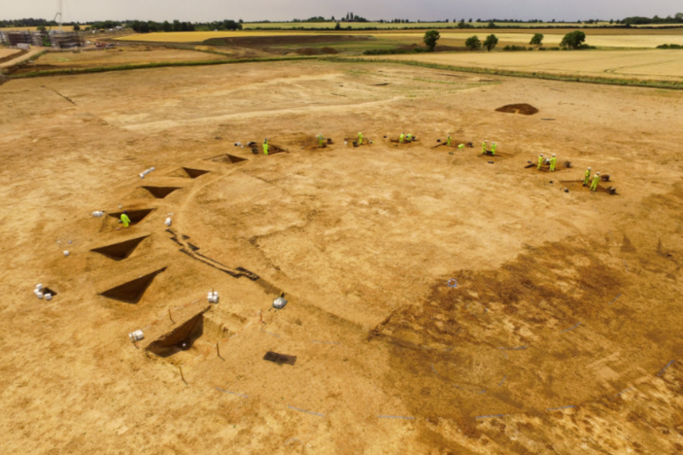 Image showing Neolithic henge monument being excavated on the A14 Cambridge to Huntingdon scheme