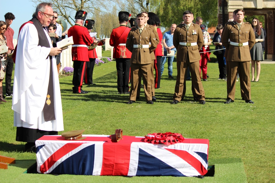 Padre Stuart Richards delivers the service for Captain Walker and the six unknown soldiers, Crown Copyright, All rights reserved