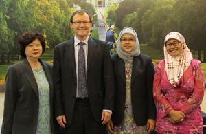 British High Commissioner Rob Fenn with Helen Yeo, Hjh Aidah Hj Mohd Hanifah and Fatin Arifin