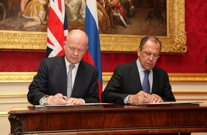 Foreign Secretary William Hague and Russian Foreign Minister Sergey Lavrov