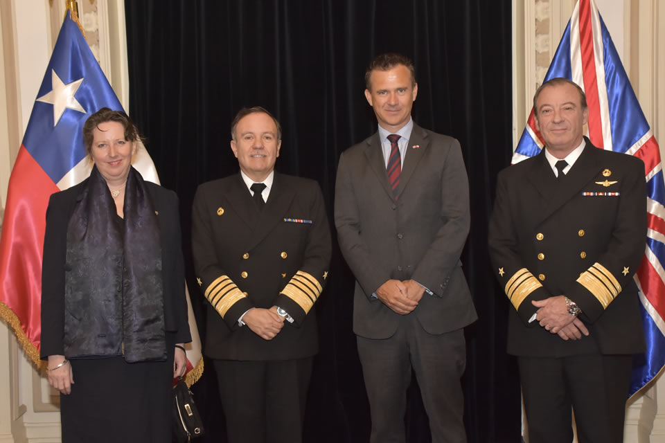 In Valparaiso, Minister Lancaster visited the Chilean Navy's Headquarters and the facilities of the Navy's Hydrographic and Oceanographic Service.
