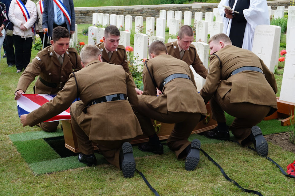 Members of the RTR lay their colleague to rest. Crown Copyright. All rights reserved