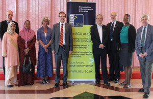 Group photo with British High Commissioner Rob Fenn, Professor Sir David King, Professor John Wood & all those involved in the event